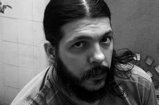 """Juan Mattio: """"Para que hable la literatura, tiene que hacer silencio el periodismo"""""""