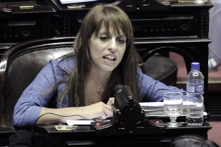 """Victoria Donda: """"Es una ley que se gana o se pierde en la calle"""""""