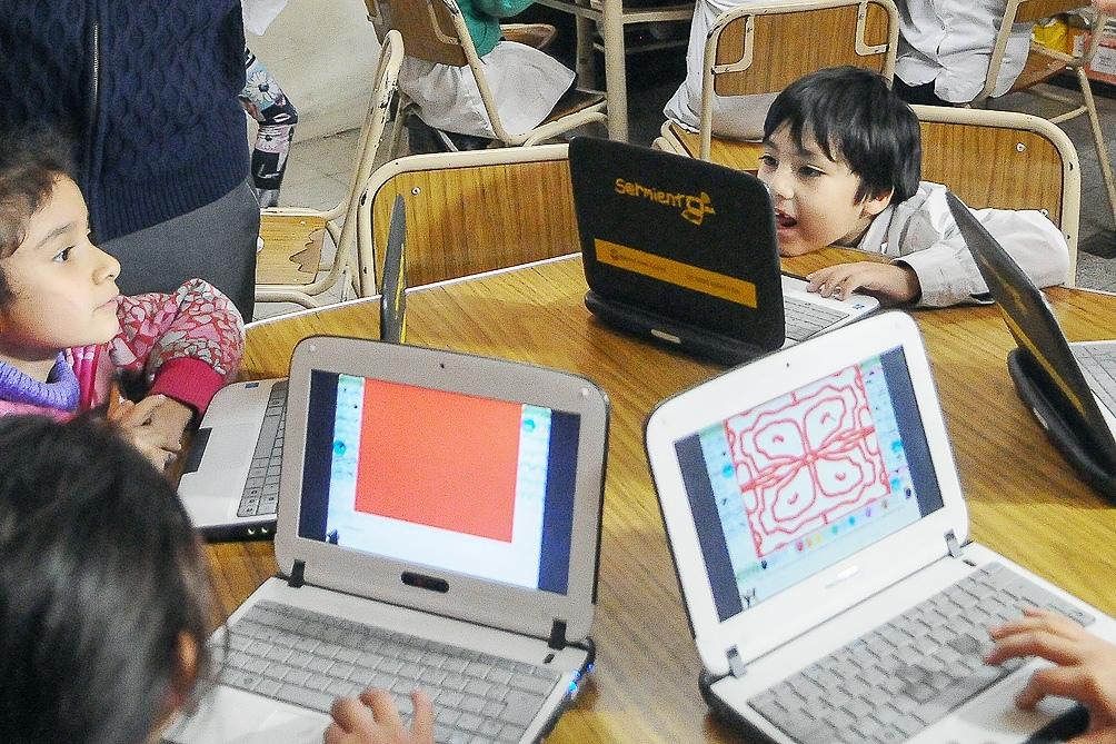 El gobierno porteño redujo el presupuesto para la provisión de computadoras