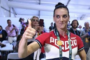 Isinbayeva anunció su retiro del atletismo