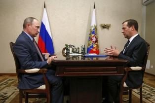 Putin encargó a Medvedev investigar el accidente del Tu-154 y anunció un día de duelo
