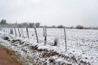 Una capa de nieve cubrió Tafí del Valle, principal centro turístico de Tucumán