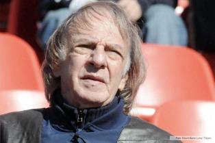 Menotti cargó contra las Sociedades Anónimas y elogió a los jugadores por el paro