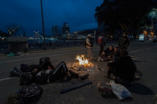 Cortan puentes de acceso a Puerto Madero y hay acampes en la previa a la Marcha Federal