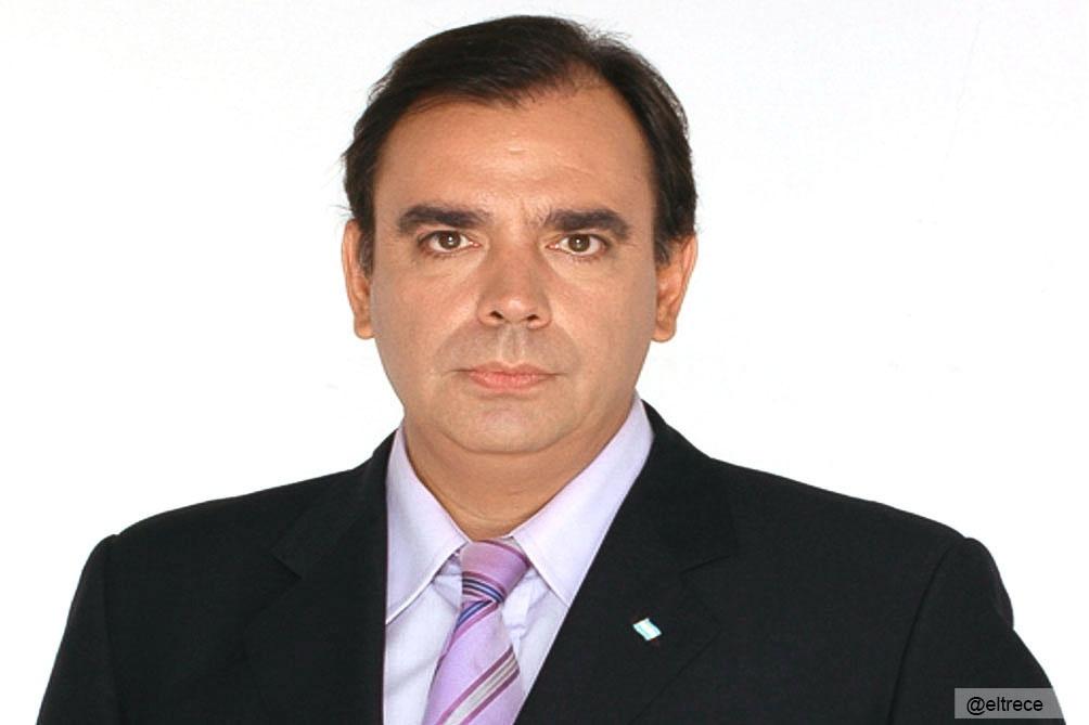 El periodista Luis Otero encabeza una lista de Manes.