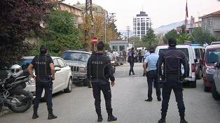 Arrestaron a dos altos ejecutivos del principal grupo mediático
