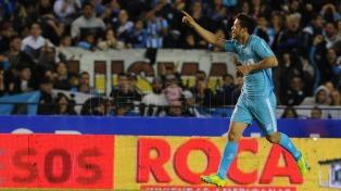 Racing, con buen fútbol, goleó a Vélez