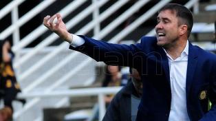Coudet y Milito serán presentados esta tarde como entrenador y manager