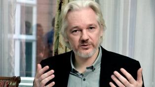 Assange negó que Rusia haya filtrado los correos de Clinton