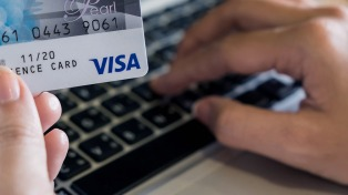 Tarjetas de crédito: confirman una multa por falta de información clara