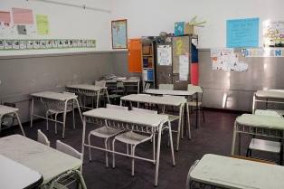 Suspendieron las clases este lunes en localidades neuquinas