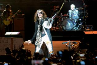Aerosmith hizo vibrar al Estadio Único con sus clásicos