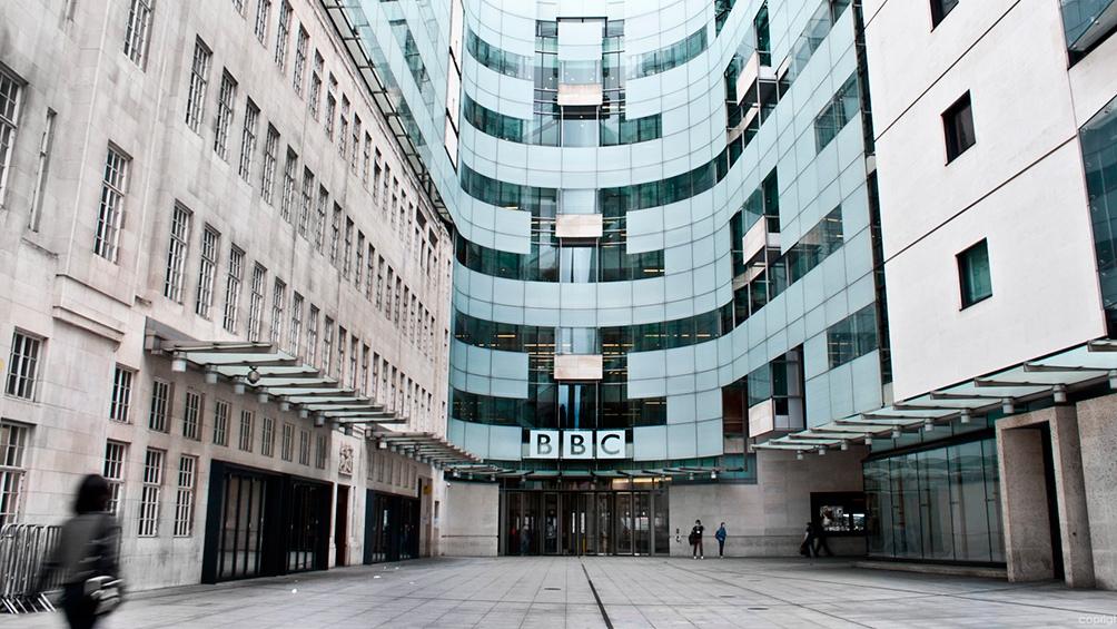 """De acuerdo al organismo chino, la BBC incumplió la obligatoriedad de informar de forma """"cierta e imparcial""""."""