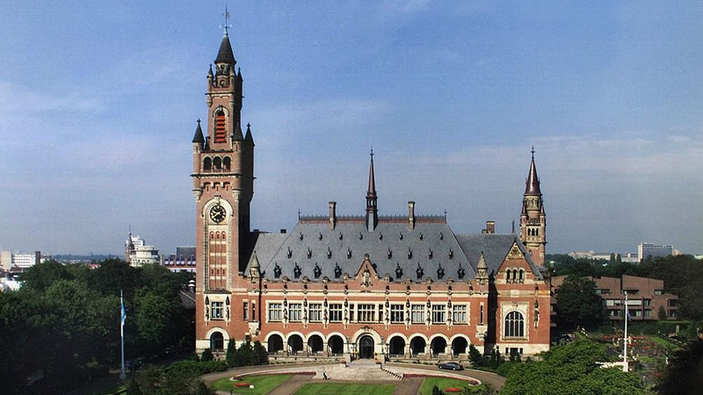 """El tribunal de La Haya indicó que """"el toque de queda debe levantarse inmediatamente""""."""