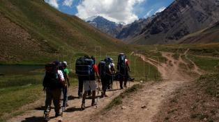 Los bomberos rescataron a un grupo de montañistas perdidos a 4 mil metros de altura
