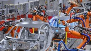 Aumentó en septiembre la producción de autos, cemento y motos según el CEP XXI