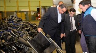 En el astillero Tandanor se reparan 600 sillas del Pami