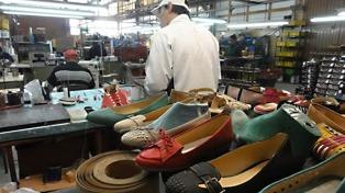 La industria del calzado cerró un acuerdo para fijar un cupo a la importación