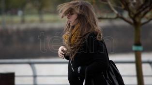 Advierten por fuertes vientos en la zona costera bonaerense y Ciudad de Buenos Aires