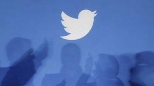 Twitter bloquea las cuentas de los principales medios oficiales y de Raúl Castro