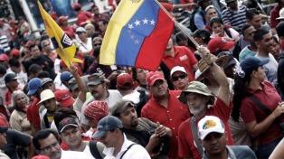 Chavistas protestaron contra EE.UU. mientras se demoraba el regreso al diálogo en Barbados