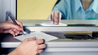 Confirman una multa a un banco por no dar información clara a un cliente