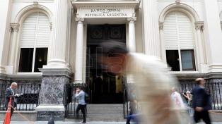 Las reservas internacionales cayeron casi 600 millones y cierran en 48.301 millones de pesos