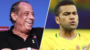 """Dani Alves usará la """"4"""" en homenaje a una gloria brasileña"""