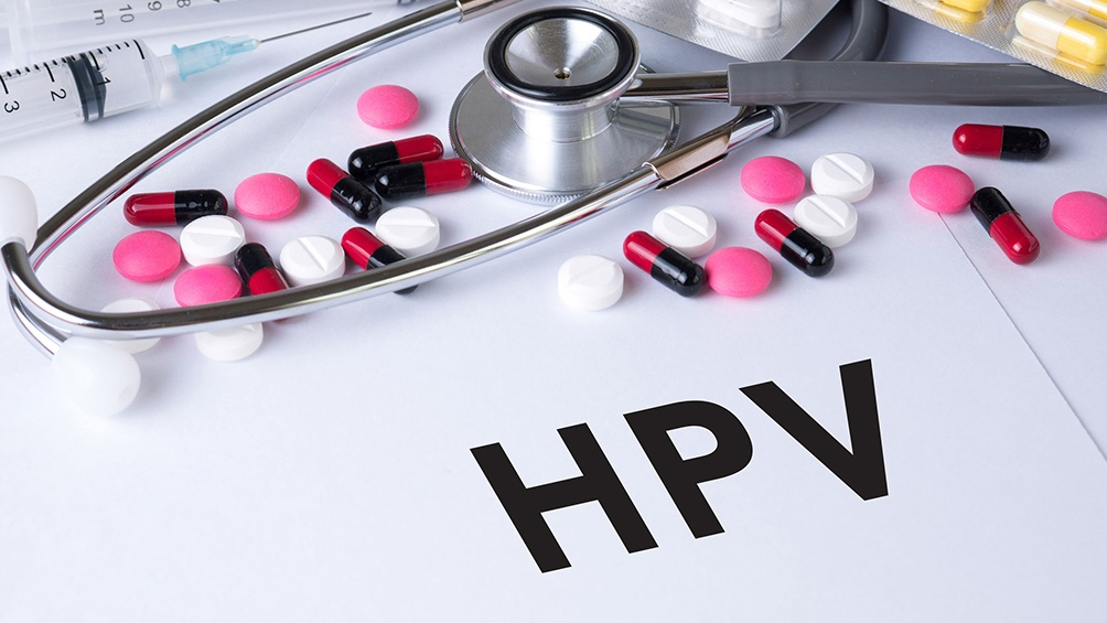 La estrategia consistió en incorporar la vacuna al calendario obligatorio y gratuito en primer lugar para las niñas de 11 años.