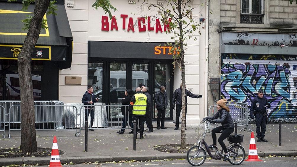 Los atentados se produjeron en el Estadio de Francia, al norte de París, en las terrazas de los bares del este de la capital y en el teatro Bataclan.