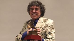 Piero recibió una distinción de la Academia que entrega los Grammy Latinos
