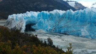 Se espera un nuevo desprendimiento de hielo en el Glaciar Perito Moreno