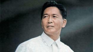 En medio de gran polémica, enterraron al ex dictador Marcos