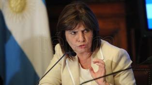 """Bullrich asegura que """"el contacto con Chile es permanente"""" para combatir a la RAM"""