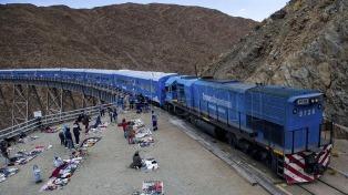 El Tren a las Nubes combina trayectos carreteros por valles, selvas y la Puna