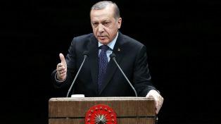 Cuatro periodistas de medios críticos, arrestados en Turquía