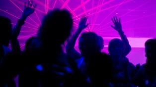 Italia registra 479 nuevos casos y se plantea cerrar las discotecas