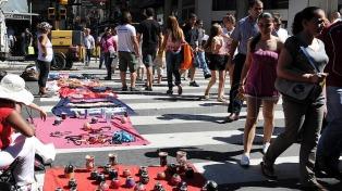 La venta ilegal callejera bajó 17,7% intermensual en julio