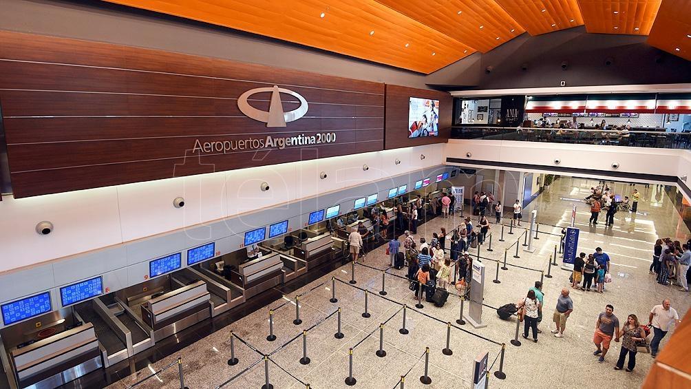 En la práctica recién estará aterrizando y despegando un vuelo desde o hacia el exterior a principios o mediados de octubre.