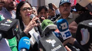 """Venezuela, suspendida, anuncia que """"traspasó"""" la presidencia del Mercosur a la Argentina"""