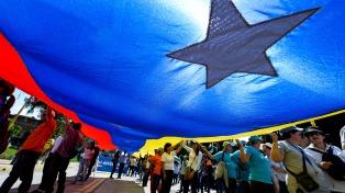 Sin Bolivia y México, el grupo de contacto enviará una misión al país y pidió elecciones