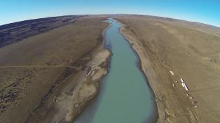Prevén que las obras de las dos represas del río Santa Cruz se reanuden dentro de 60 días