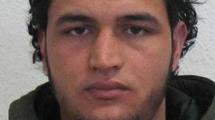 Difunden fotos del sospechoso del ataque y ofrecen recompensa