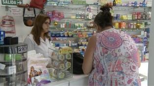 La Federación de Farmacias apoya rebajar los remedios y piden recomposición por el stock