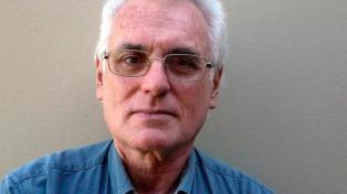 Carlos Ulanovsky elige los libros imprescindibles para entender la dictadura