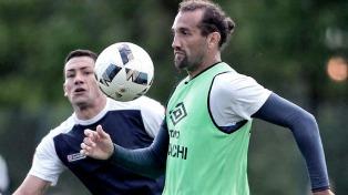 Afirman que Hernán Barcos podría continuar su carrera en el Santos