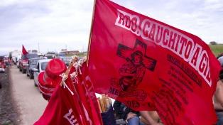 Mercedes recibe a miles de peregrinos que recuerdan al Gauchito Gil