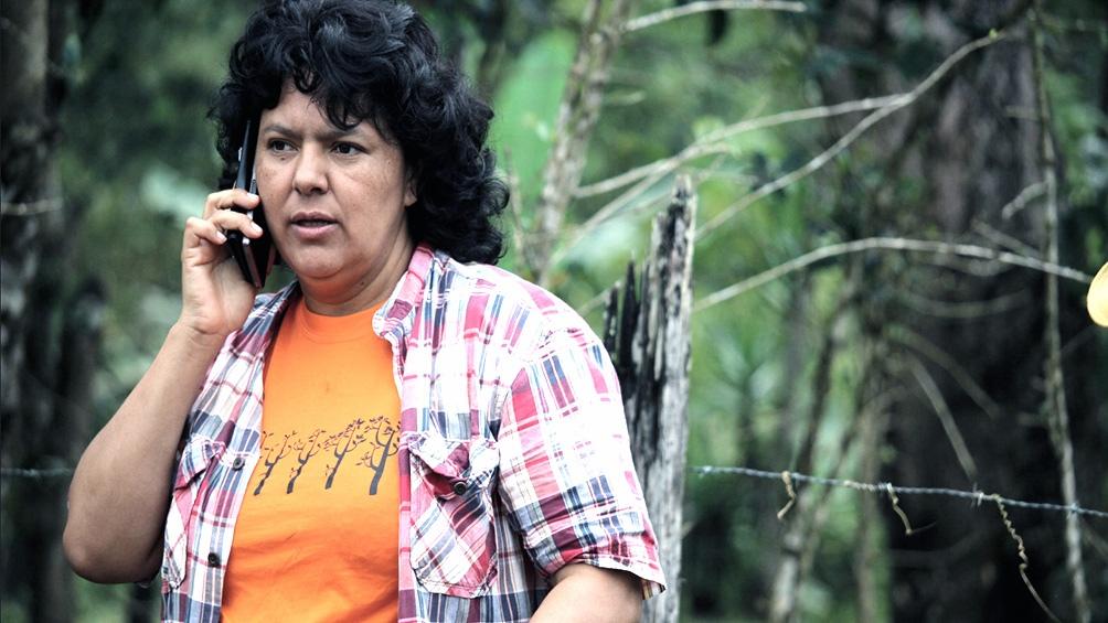 Berta Cáceres defendió los derechos del pueblo lenca, perjudicados por el proyecto hidroeléctrico Agua Zarca