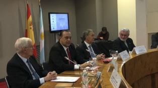 Argentina firma convenio para lanzar el Congreso de la Lengua en Córdoba