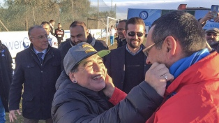 """Maradona celebró el título de """"su"""" Napoli en la Copa Italia"""